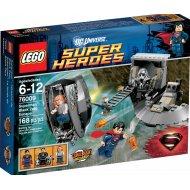 Lego Super Heroes - Superman: Únik z Black Zero 76009